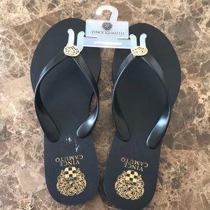 Vince Camuto flip flops size 7